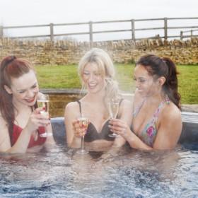 Hot Tub, Gardens and Beaches
