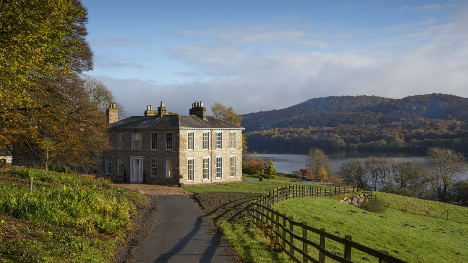 Lakeside house weddings for Lakeside home